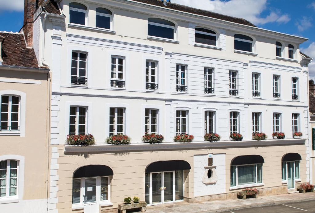 Hotel la c te saint jacques joigny - La cote saint jacques joigny ...