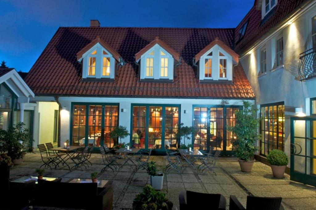 romantik hotel kaufmannshof bergen auf r gen reserva tu hotel con viamichelin. Black Bedroom Furniture Sets. Home Design Ideas