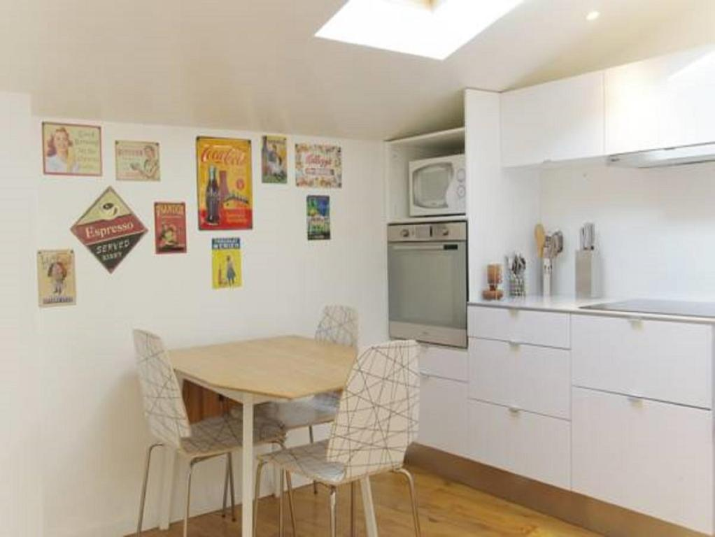Appartement teul re locations de vacances bordeaux - Ustensiles de cuisine bordeaux ...