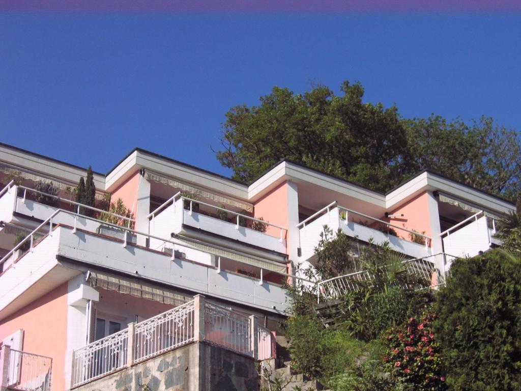 Casa rosa lugano online booking viamichelin for Booking casas