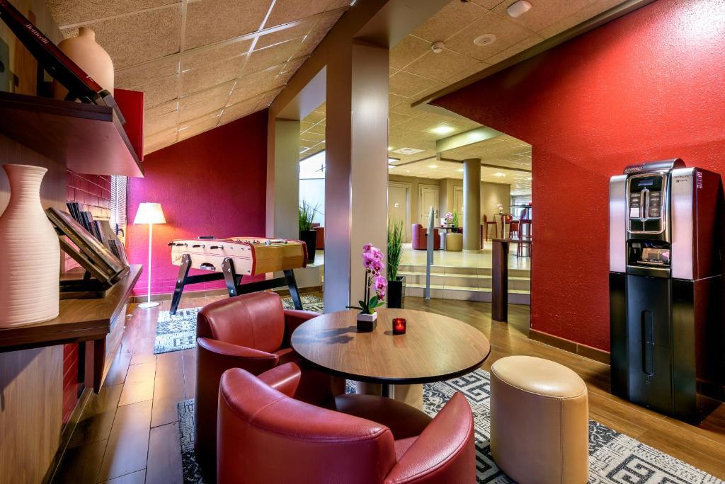 campanile toulouse purpan blagnac reserva tu hotel con viamichelin. Black Bedroom Furniture Sets. Home Design Ideas