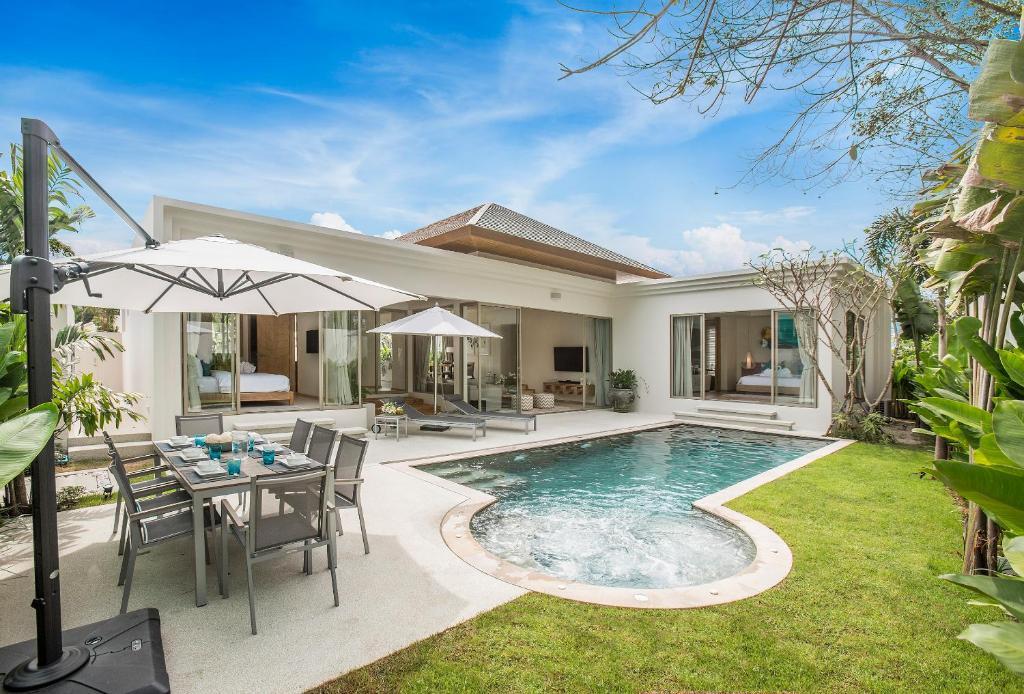 Villa 777 phuket private pool villa thailand bang tao for Villas with pools