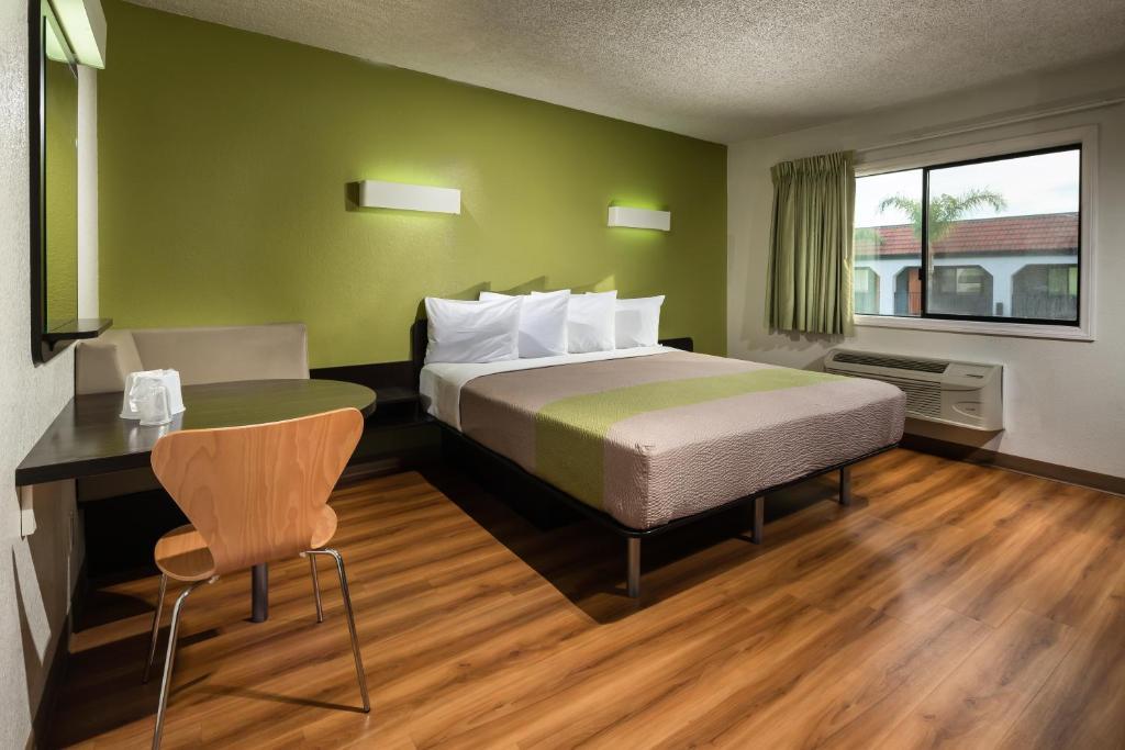 Canoga Park Pet Hotel