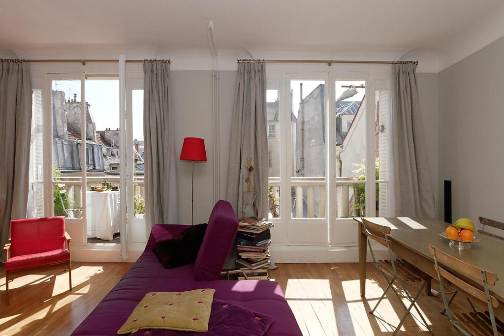 Paris center balcony for Balcony booking