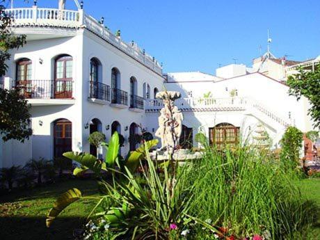 Casa jardin nerja online booking viamichelin for Casa jardin restaurante