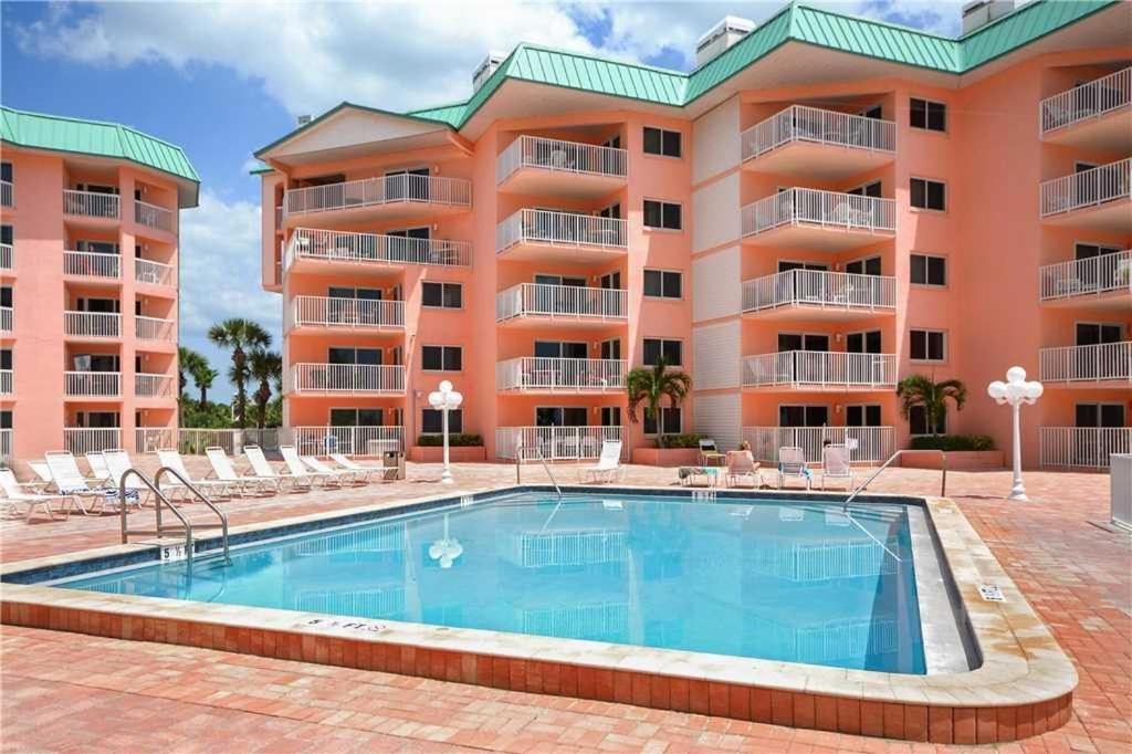 Beach Cottage Two Bedroom Condo 2101 Clearwater Beach Fl