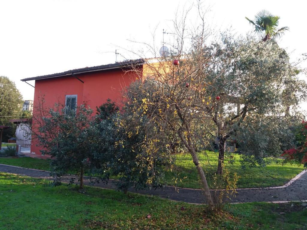 villa rossa g stezimmer borgo a buggiano. Black Bedroom Furniture Sets. Home Design Ideas