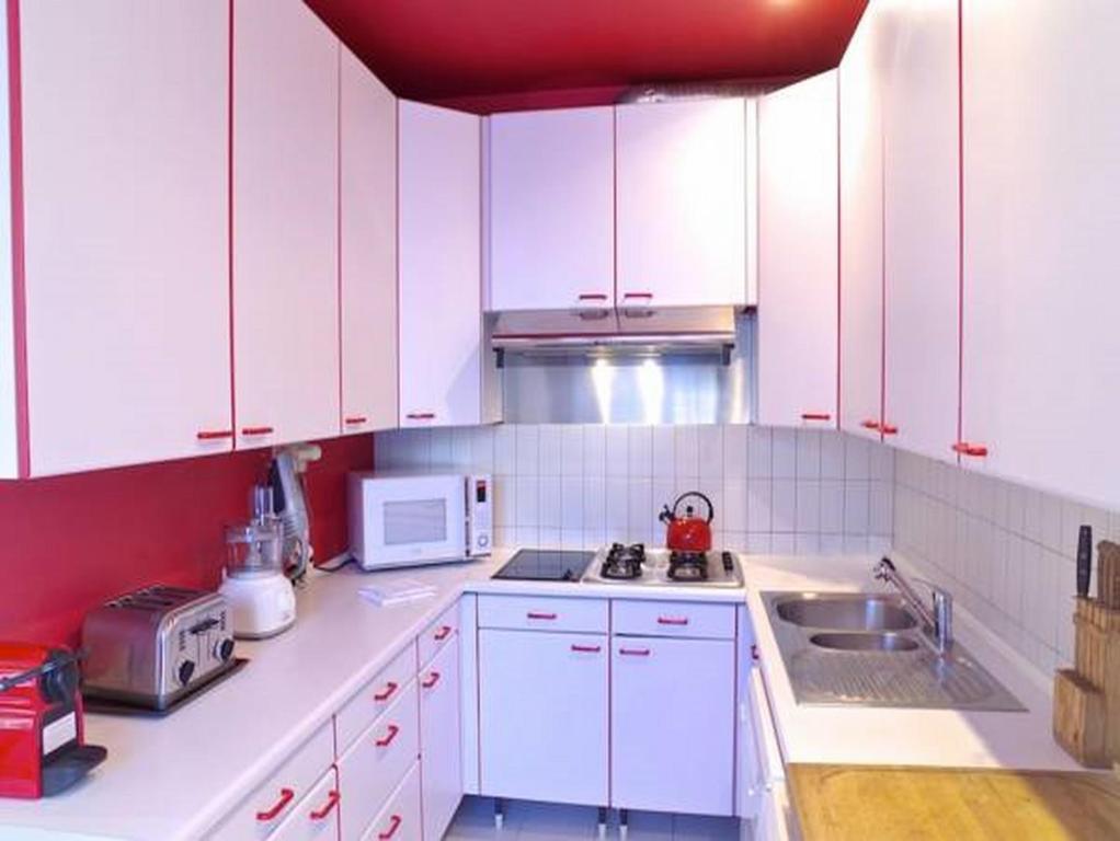 Appartement porto riche locations de vacances bordeaux - Ustensiles de cuisine bordeaux ...