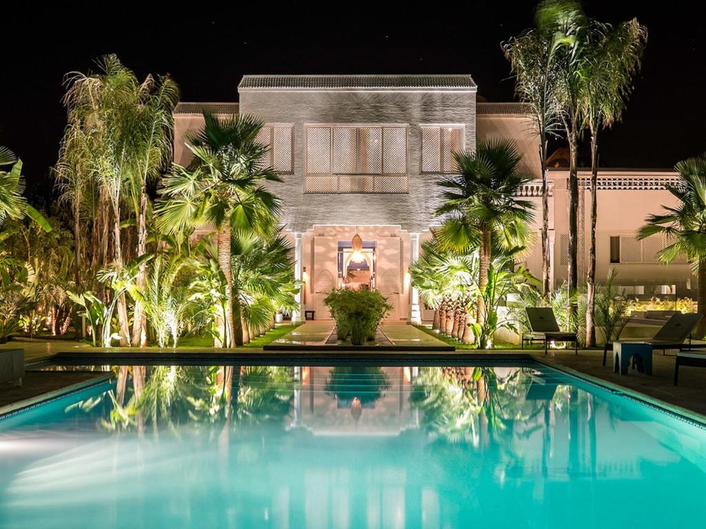 La maison blanche marrakech book your hotel with for La maison maison