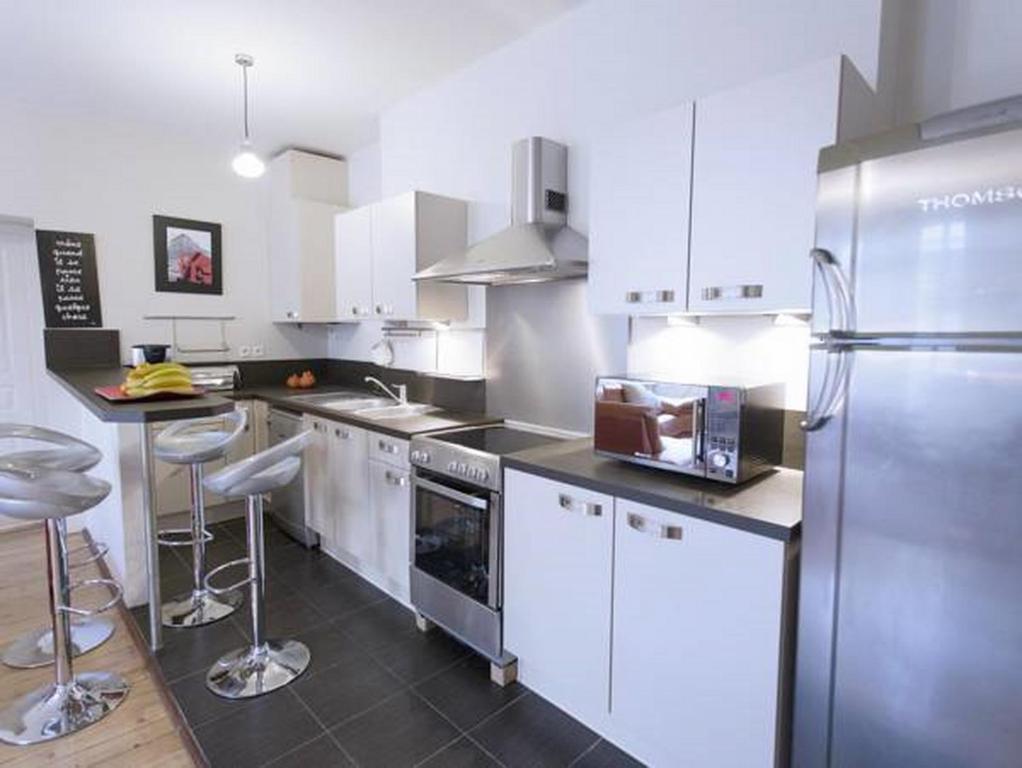 Appartement cha ne d 39 or locations de vacances bordeaux - Ustensiles de cuisine bordeaux ...