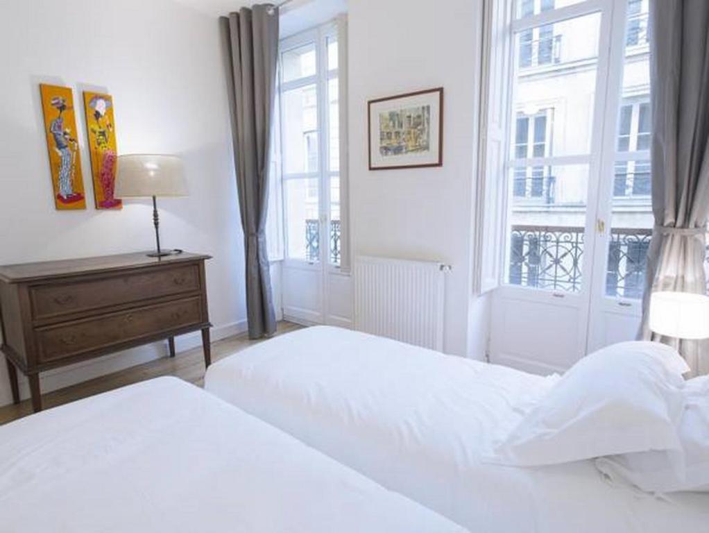 Appartement cha ne d 39 or appartement bordeaux en for Appartement cathedrale ybh bordeaux