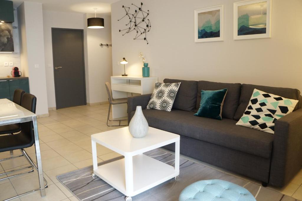 Appartement contemporain t3 saint charles locations de for Appartement contemporain
