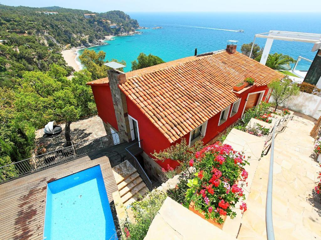 Casa roja casas de vacaciones tossa de mar - Casas en tossa de mar ...