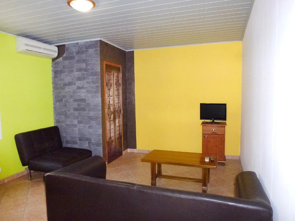 la maison soleil locations de vacances le grau du roi. Black Bedroom Furniture Sets. Home Design Ideas