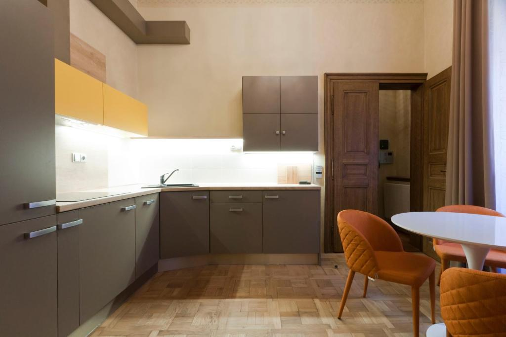 Palace beethoven apartment prag informationen und for Domus balthasar design hotel booking