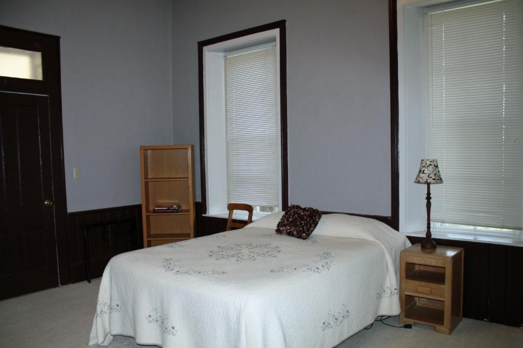 Markward Manor Bed And Breakfast Inn