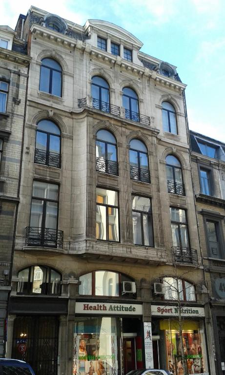 Grand place lombard apartments brussels online booking for Lombard place