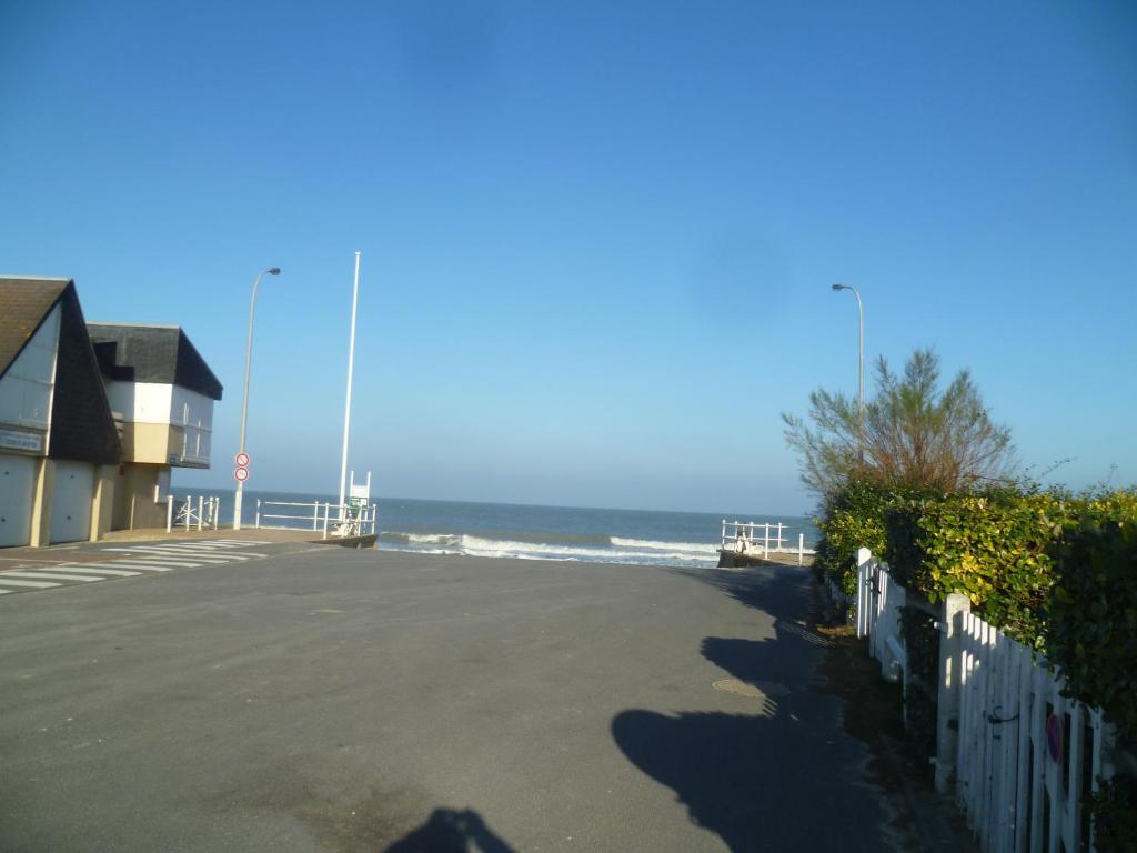 Appartement voile de nacre appartement berni res sur - Office de tourisme bernieres sur mer ...