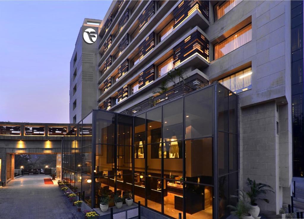 Ghaziabad Escorts Servces Hotel
