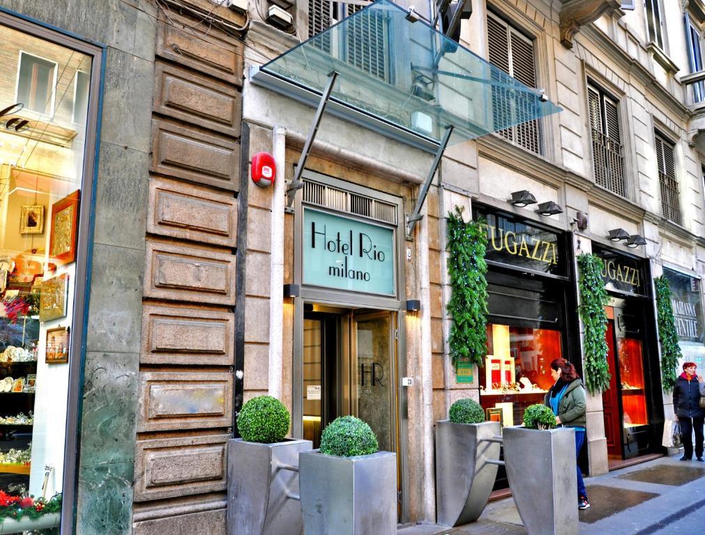 Hotel rio milan book your hotel with viamichelin for Bar madonnina milano