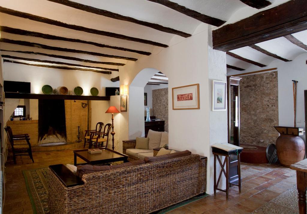 La bodega hotel rural ontinyent book your hotel with for Hotel la bodega