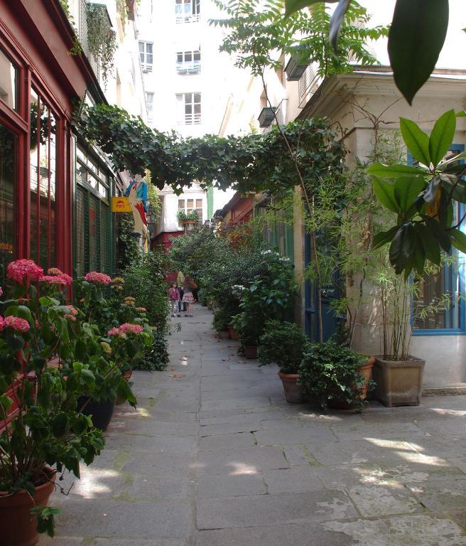 Appartamento petit paris oasis in marais parigi for Hotel zona marais parigi