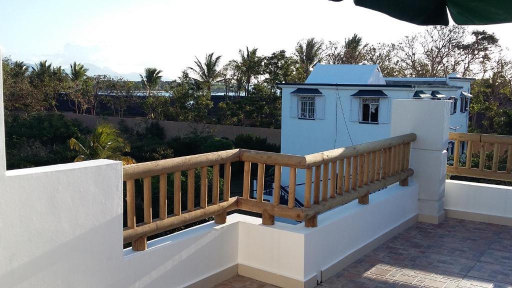 trident villa balaclava mauritius. Black Bedroom Furniture Sets. Home Design Ideas