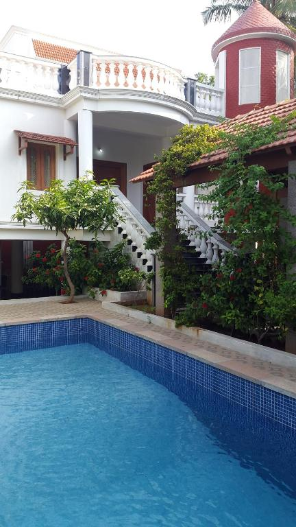 Paris guest house pondicherry india for Villas in pondicherry with swimming pool