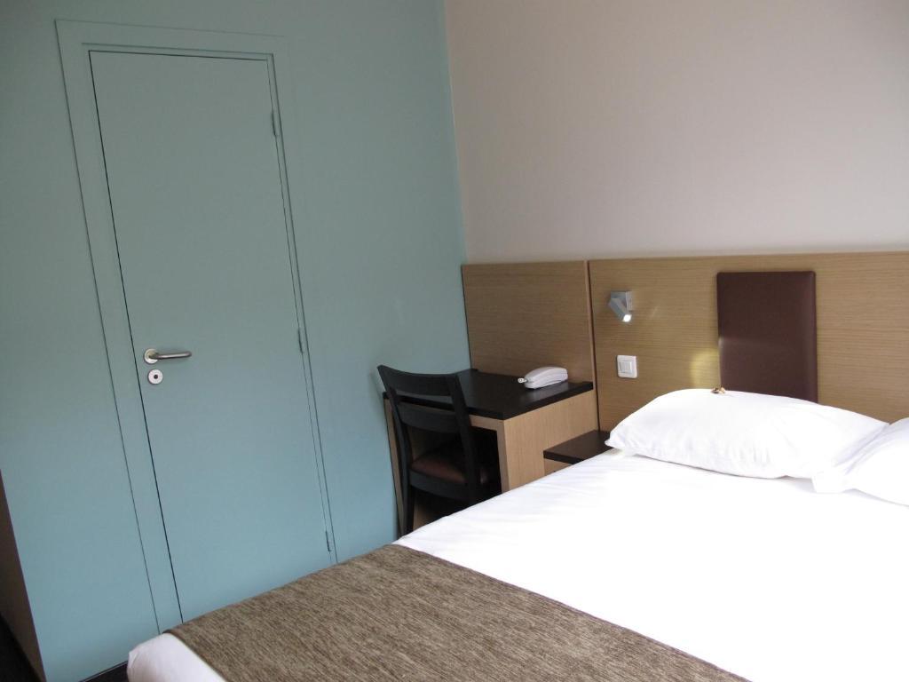 Source Hotel Saint Ouen
