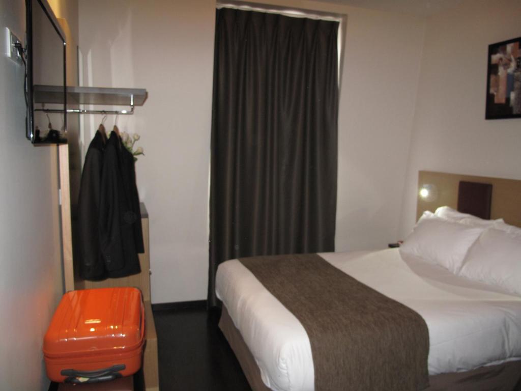 Source h tel paris informationen und buchungen online for Hotels 75017