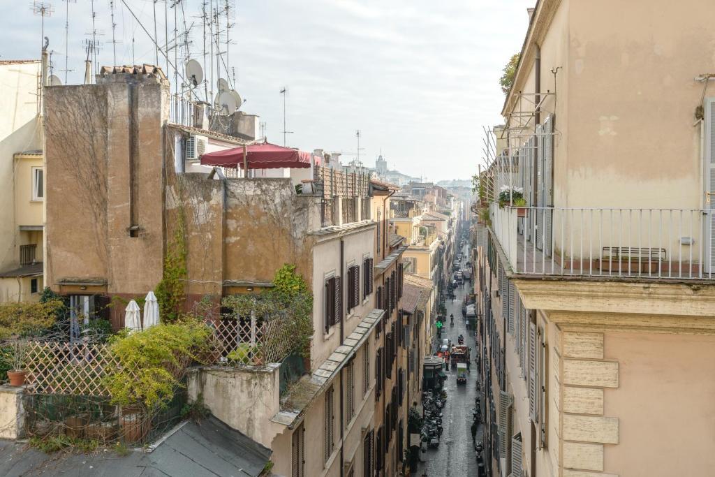Babuino mini loft rome online booking viamichelin for Hotel via del babuino
