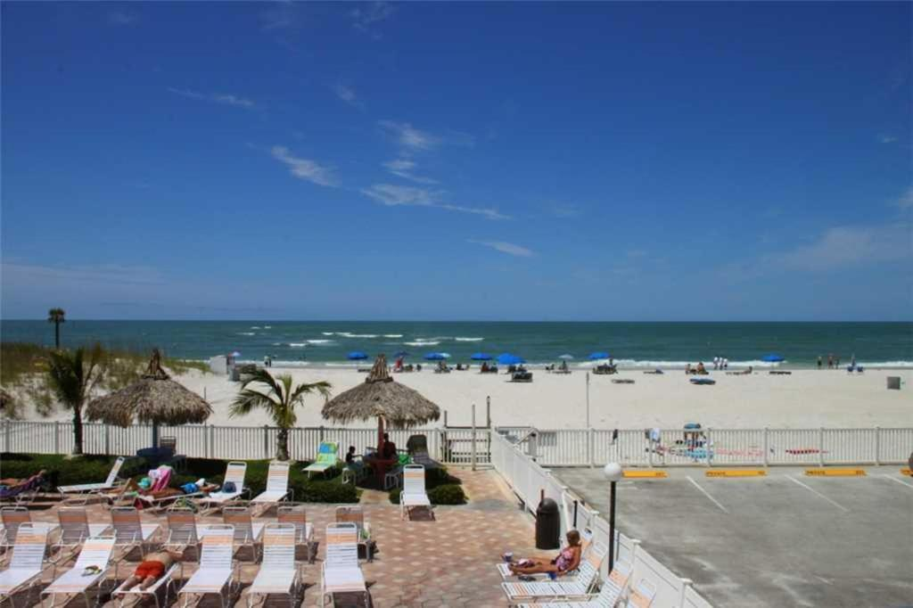 Beach place three bedroom apartment 107 st pete beach - 3 bedroom apartments st petersburg fl ...