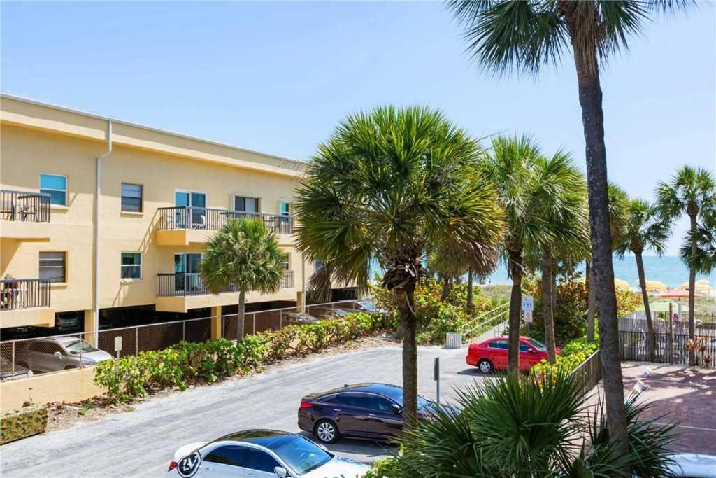 Madeira Norte Two Bedroom Apartment 106 St Pete Beach M