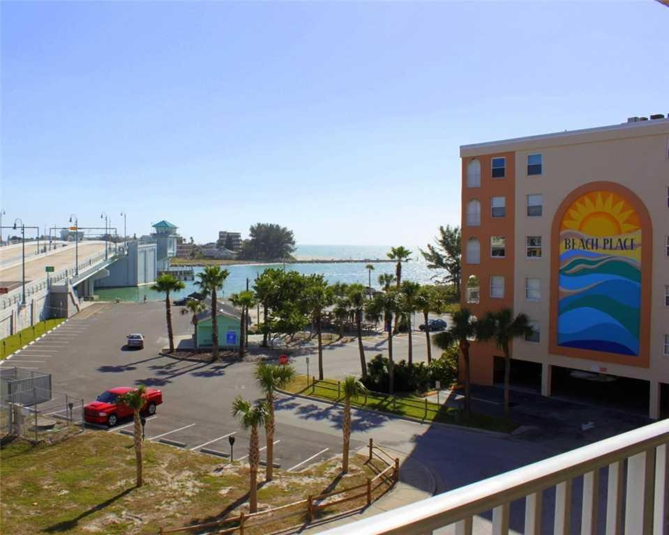 Beach Place Two Bedroom Apartment 304 St Pete Beach M