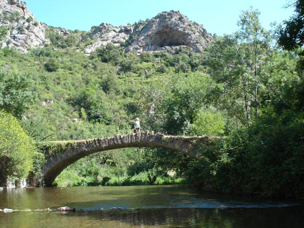 Chambre d 39 h tes au pont romain chambre d 39 h tes caunes minervois - Chambre d hote le pont egletons ...