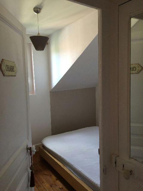 appartement proche coeur de ville locations de vacances vichy. Black Bedroom Furniture Sets. Home Design Ideas