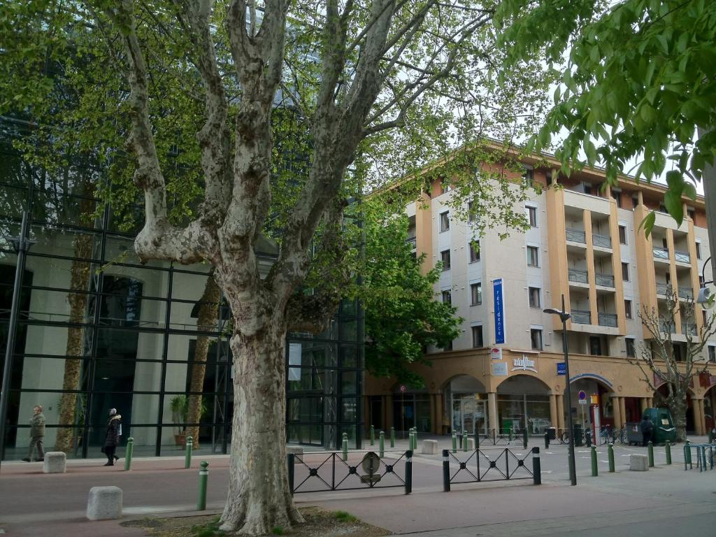 Kyriad chamb ry centre h tel et r sidence for Apparthotel chambery