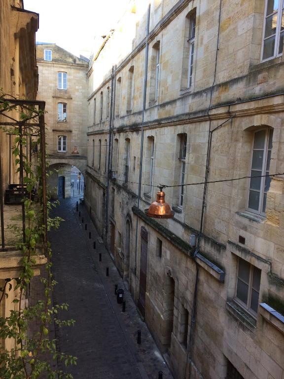 Appartement bordeaux saint michel locations de vacances for Appartement bordeaux quartier saint michel