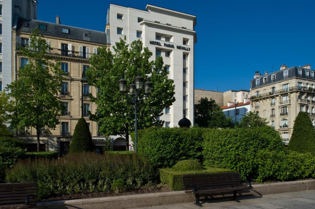 Hotel Paris Neuilly Booking