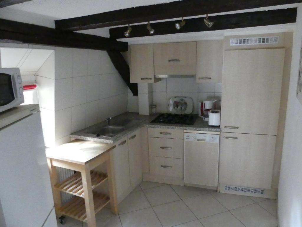 appartement appart chaleureux appartement colmar dans le haut rhin 68 10 km d 39 eguisheim. Black Bedroom Furniture Sets. Home Design Ideas