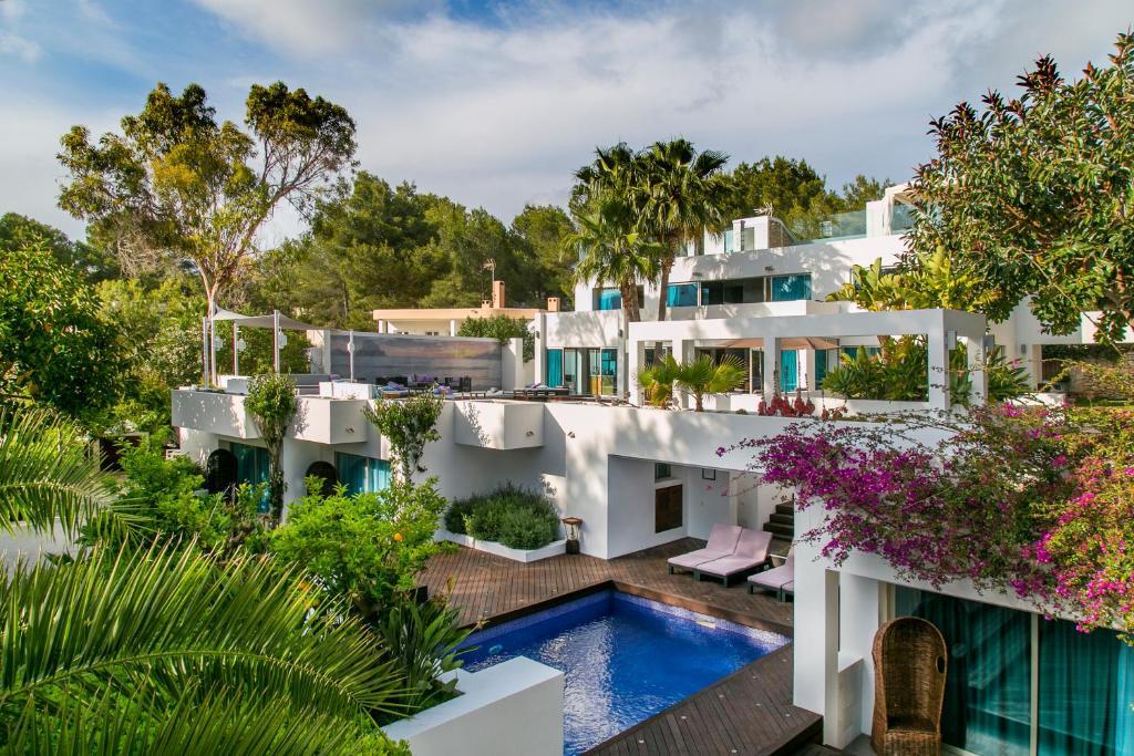Villa casa india ibiza santa eularia des riu spain for Booking casas