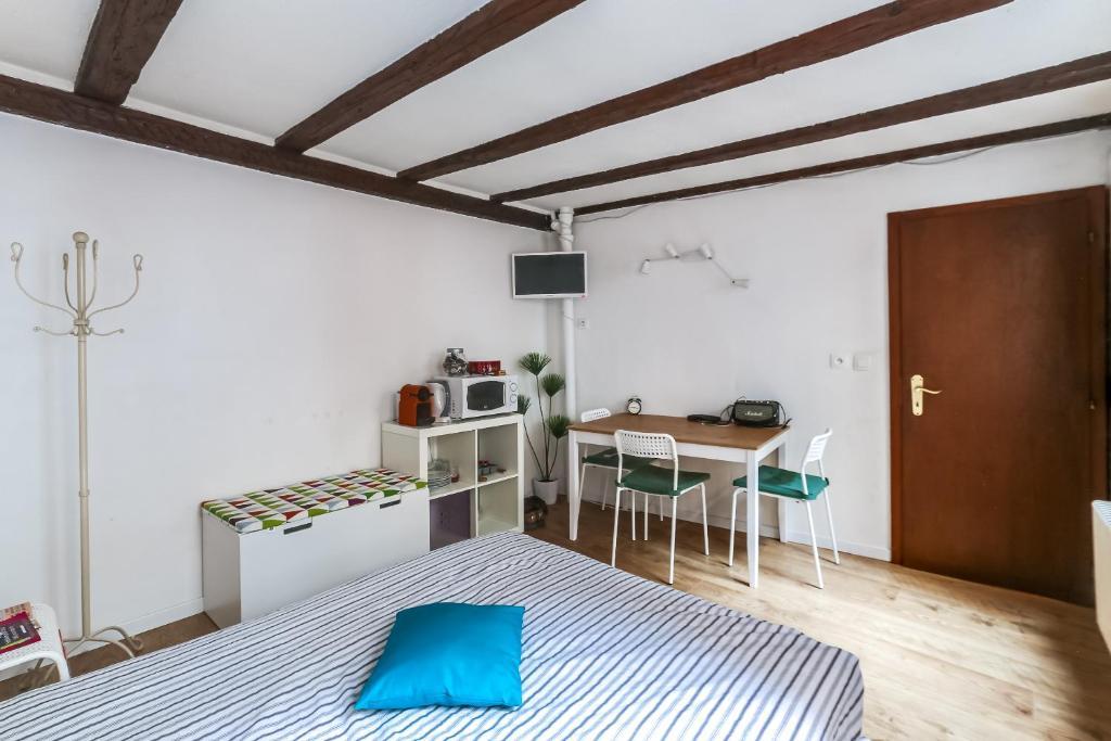 studio petite france strasbourg strasburgo prenotazione on line viamichelin. Black Bedroom Furniture Sets. Home Design Ideas