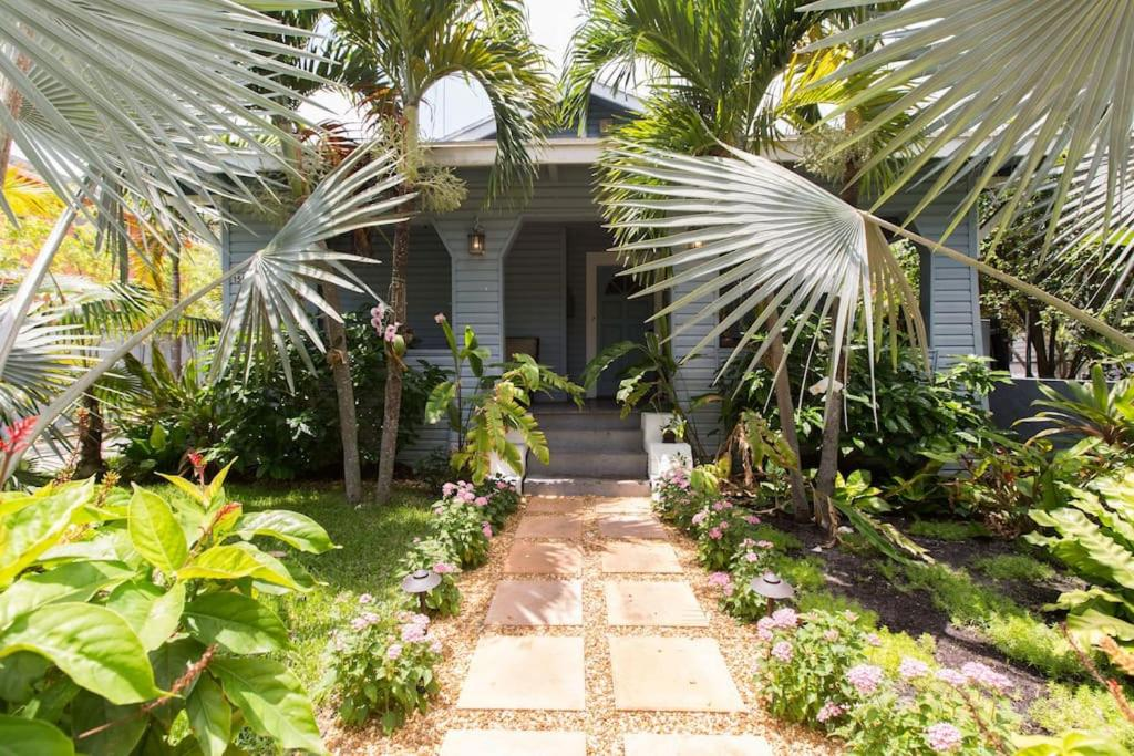 Tropical Garden Bungalow West Palm Beach Book Your Hotel With Viamichelin