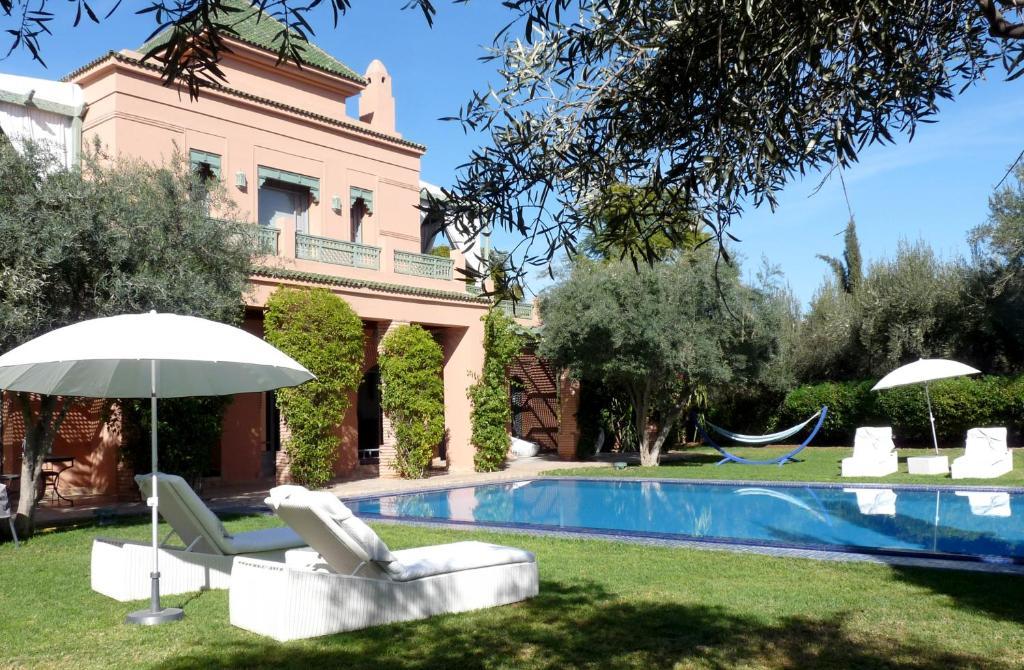 Villa palmeraie r servation gratuite sur viamichelin for Construction piscine marrakech