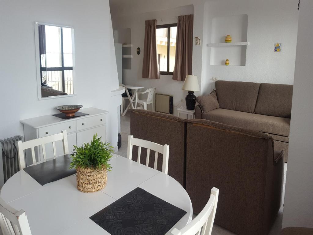 Apartamentos casa blanca apartamentos en torremolinos andalucia spain - Apartamentos baratos torremolinos ...