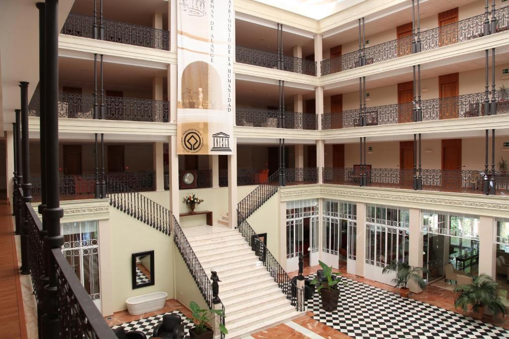 Gran hotel aqualange balneario de alange la zarza for Hoteles en badajoz con piscina