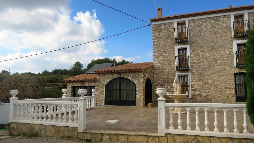 Casa de campo Masía l´Estela (España Serra den Galceran ...