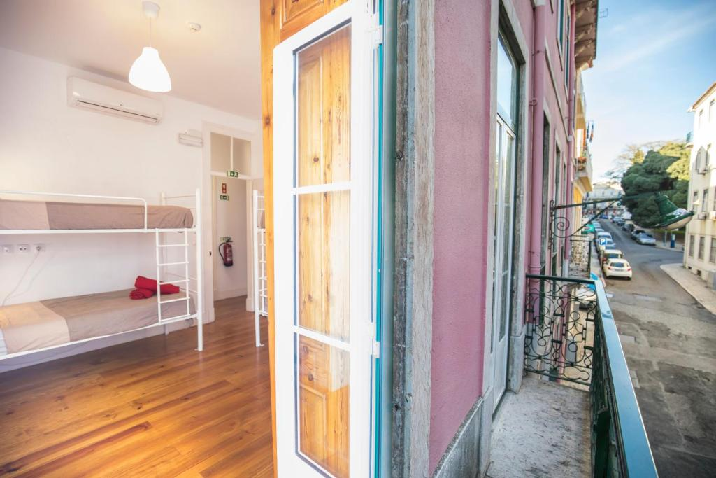 The loft boutique hostel lisbon book your hotel with for Boutique hostel