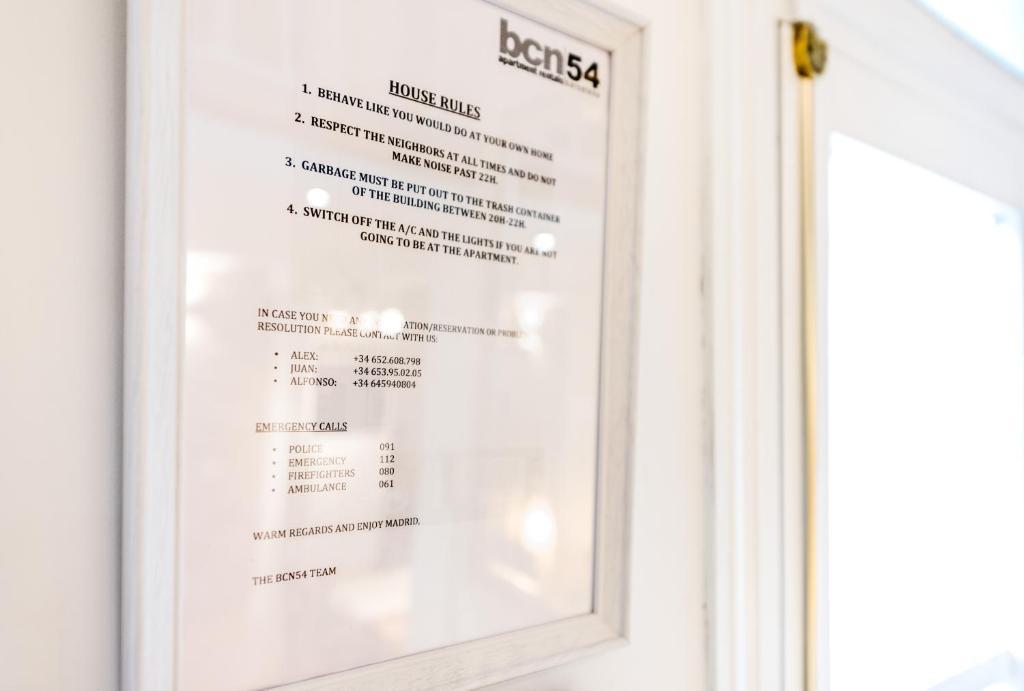 Puerta del sol duplex apartments locations de vacances madrid for Parking puerta del sol