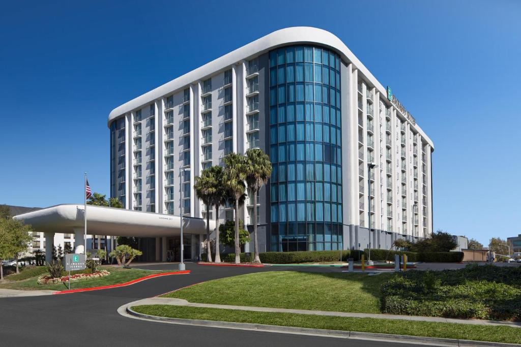 Hotels With Free Shuttle To San Francisco Airport